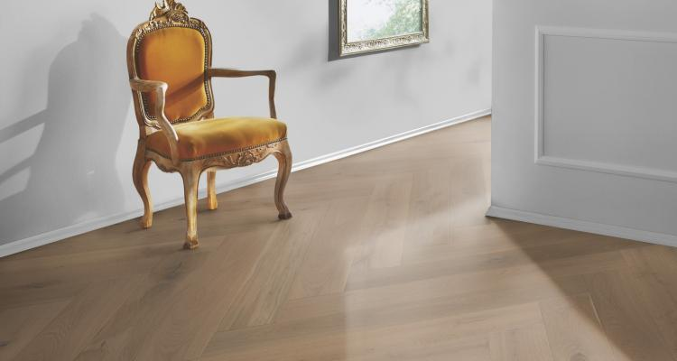 M04 Parchet triplustratificat Stejar Ochre Brown